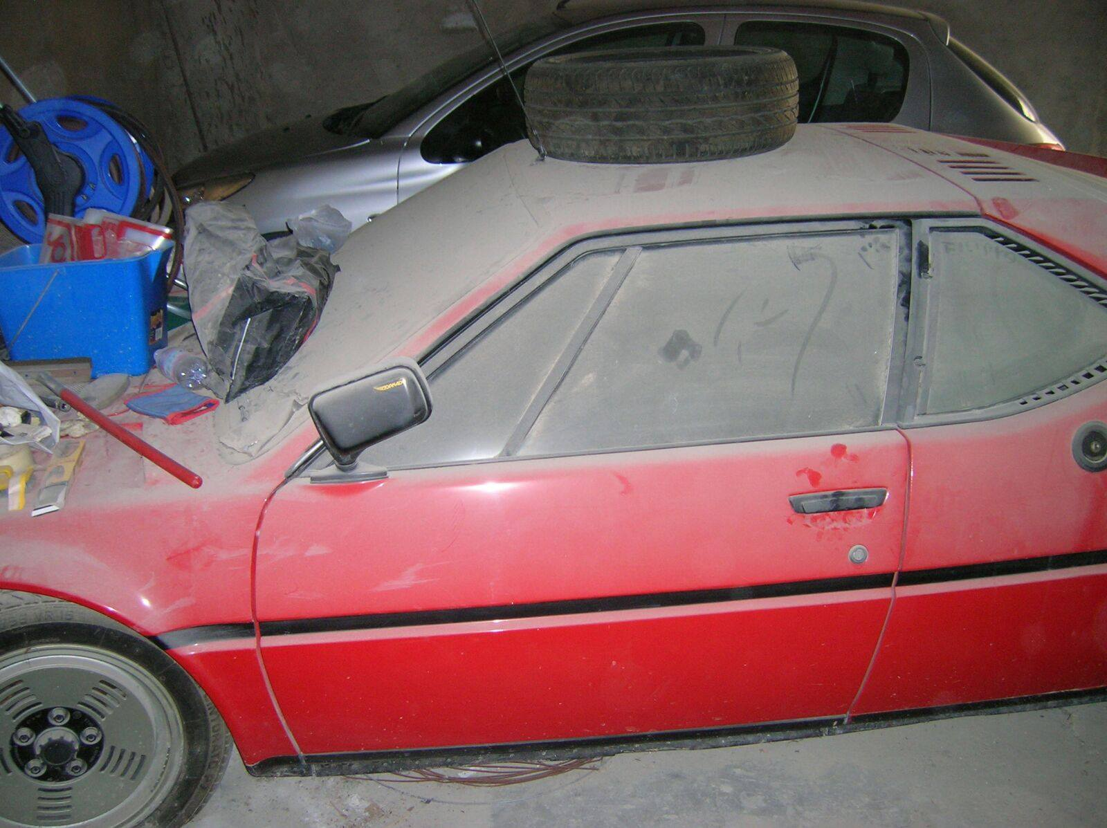 BMW M1 barn find (8)