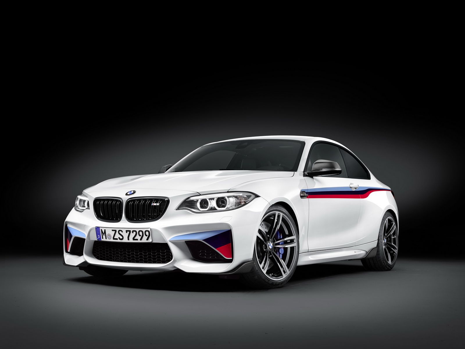 BMW M2 with M Performance parts (1)