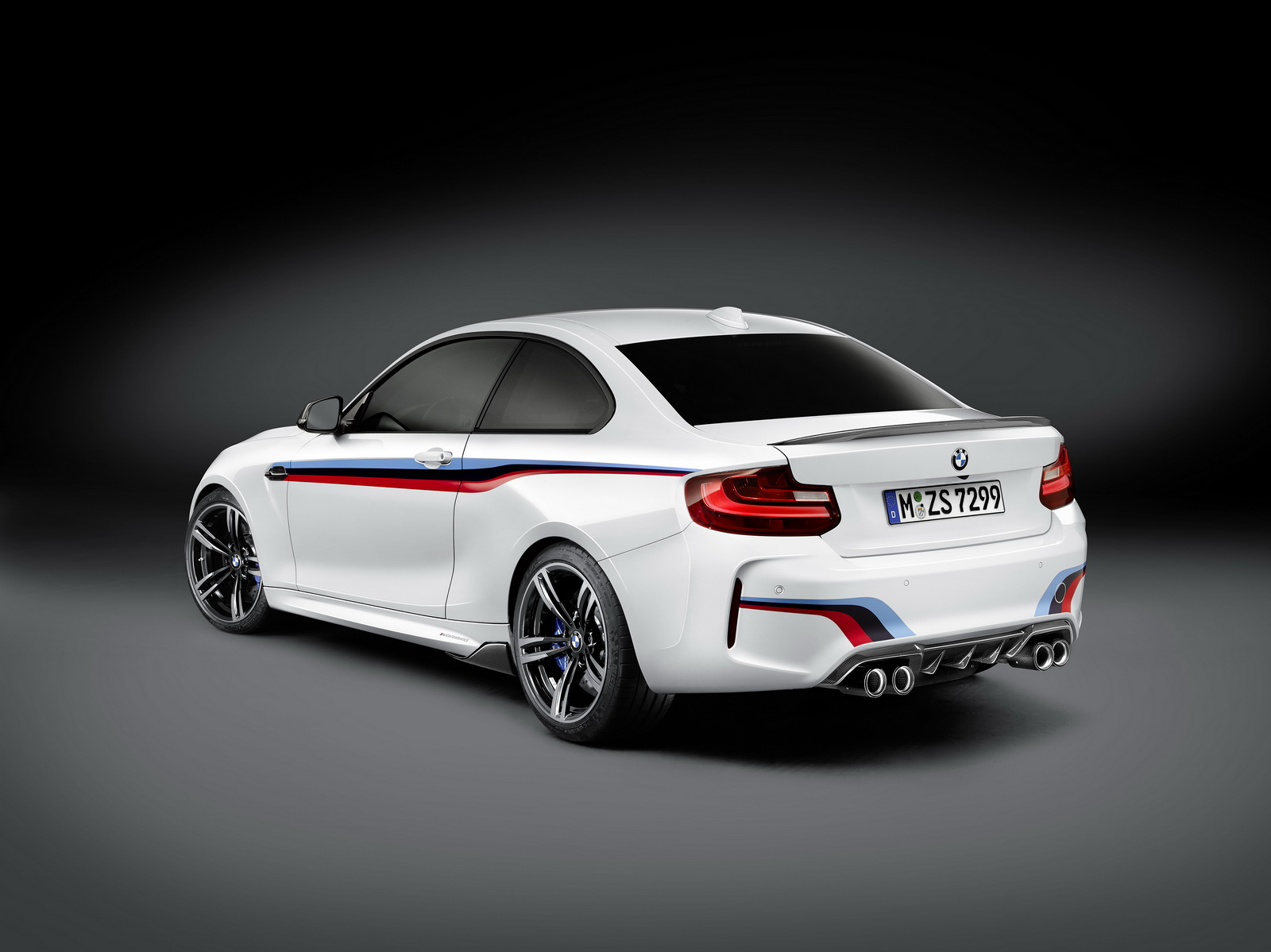 BMW M2 with M Performance parts (2)