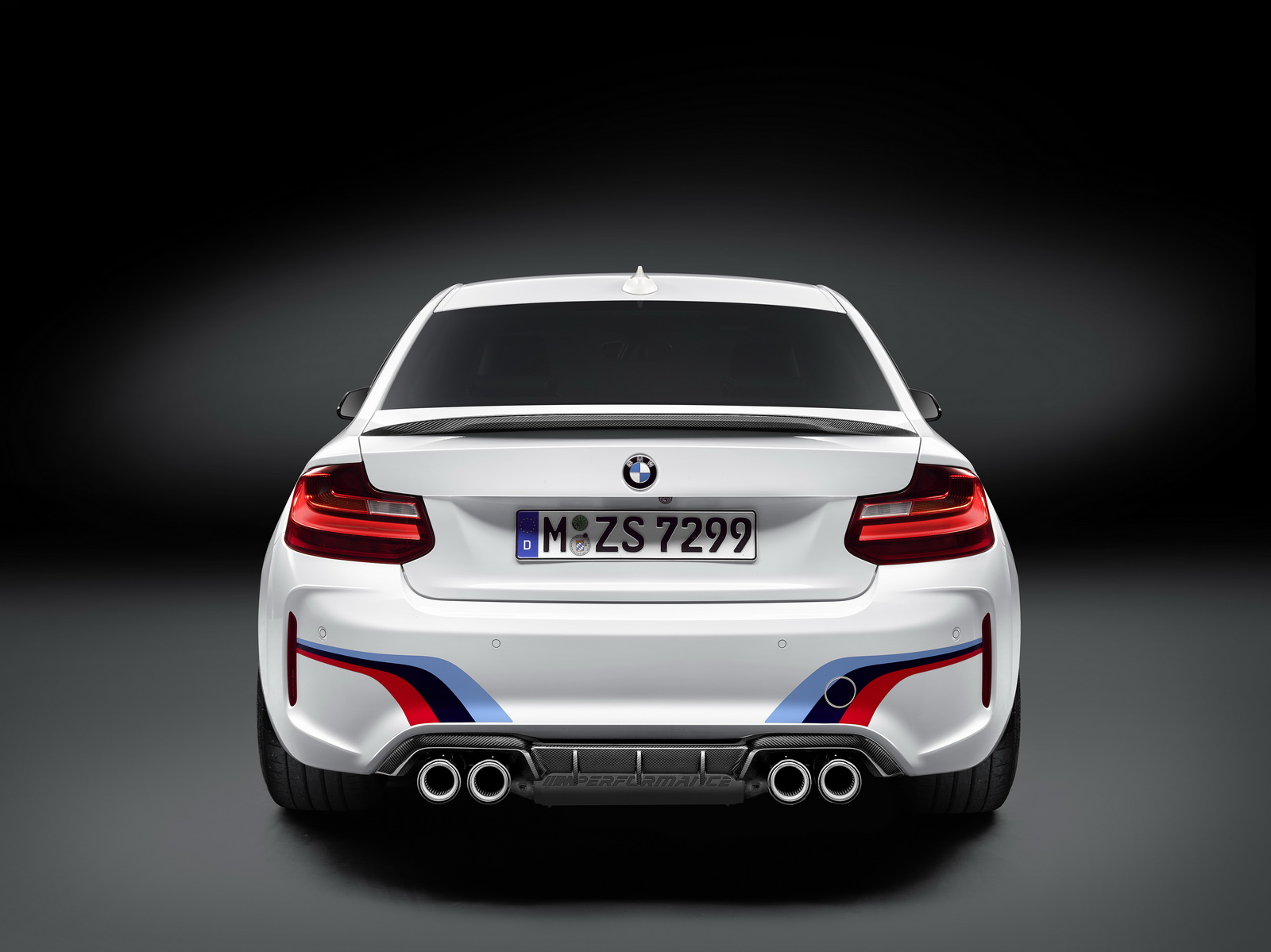 BMW M2 with M Performance parts (4)