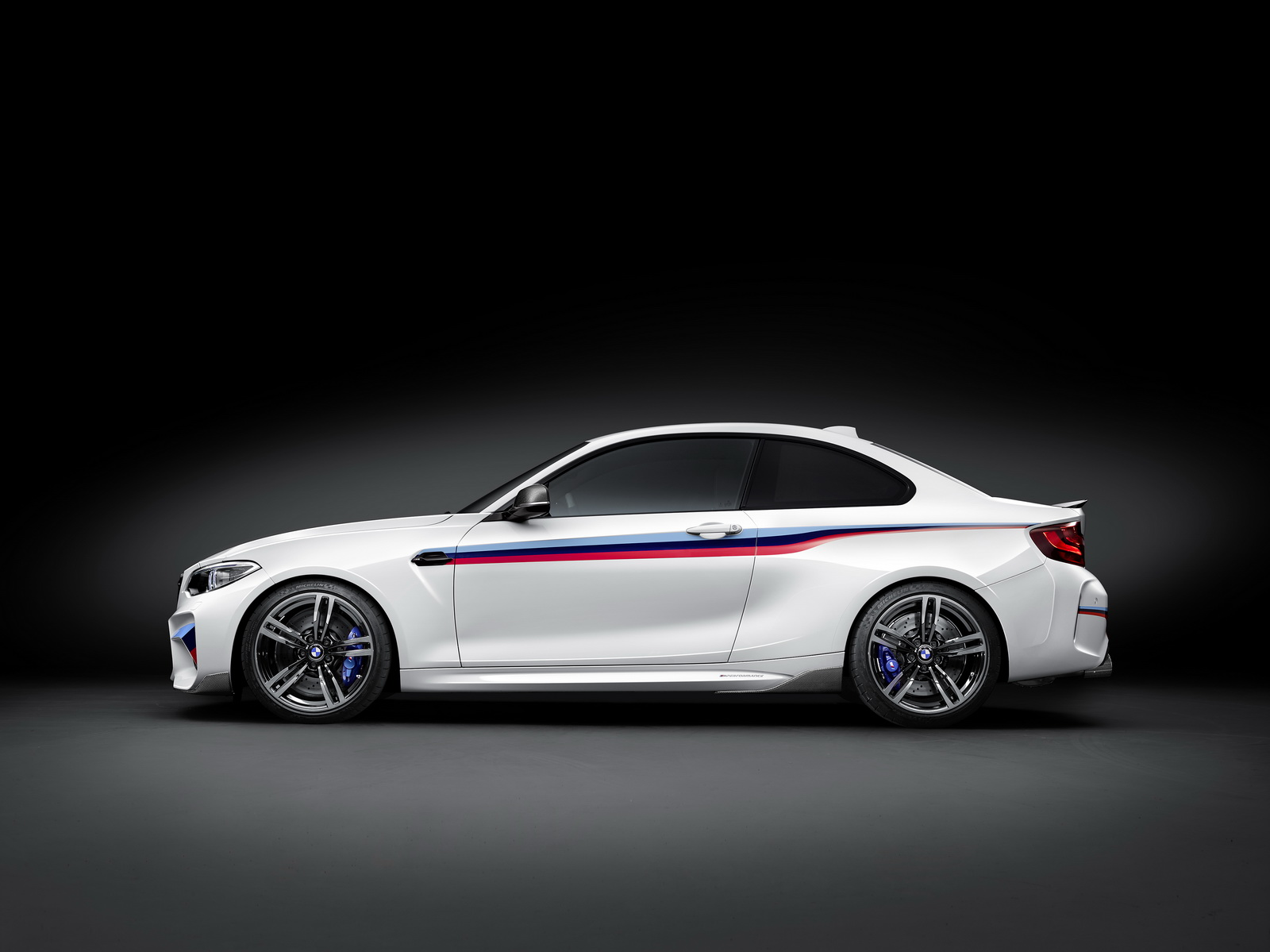BMW M2 with M Performance parts (5)