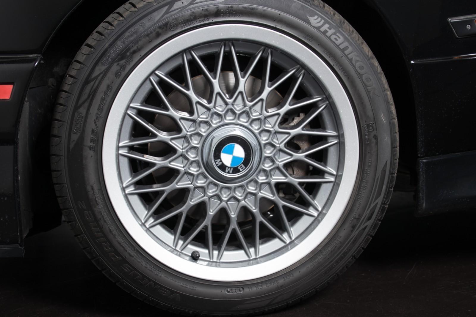 BMW_M3_E30_Sport_Evolution_for_sale_0006
