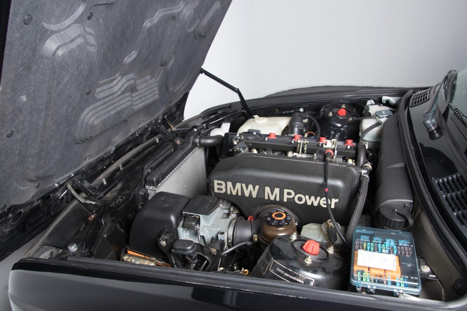 BMW_M3_E30_Sport_Evolution_for_sale_0015