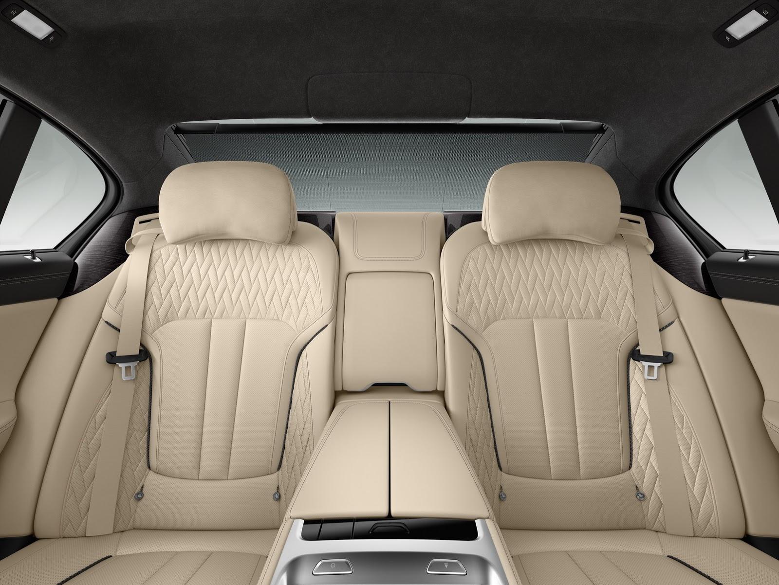 BMW-M760Li-xDrive-15
