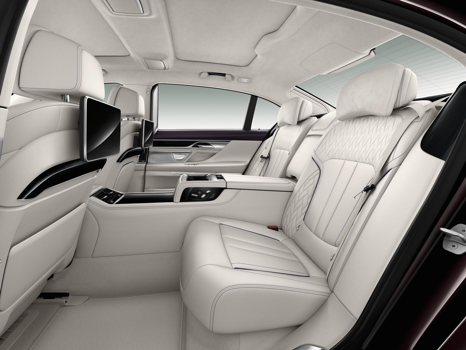 BMW-M760Li-xDrive-Excel11