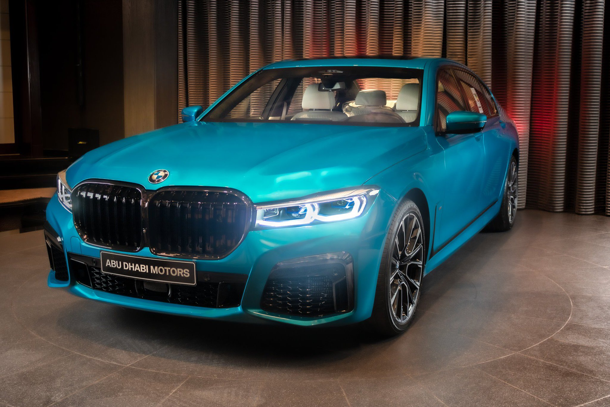 BMW-M760Li-xDrive-Atlantis-Blue-2