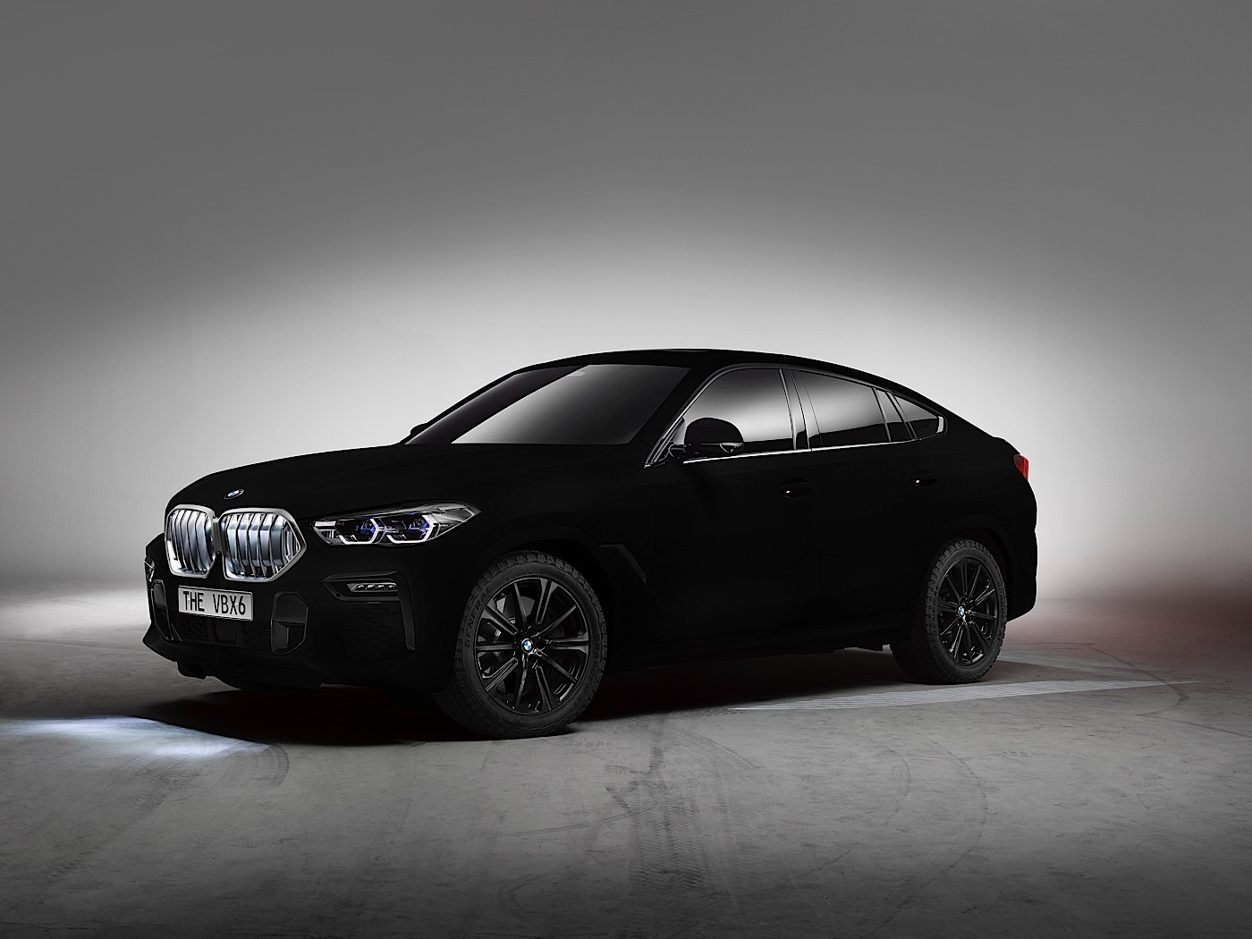 BMW-X6-Vantablack-1