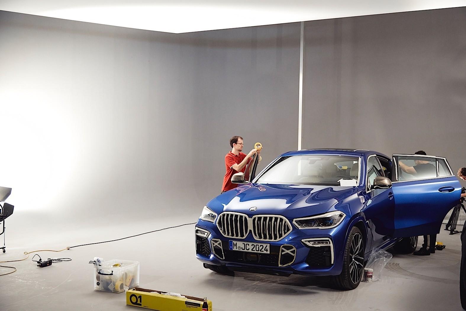 BMW-X6-Vantablack-15