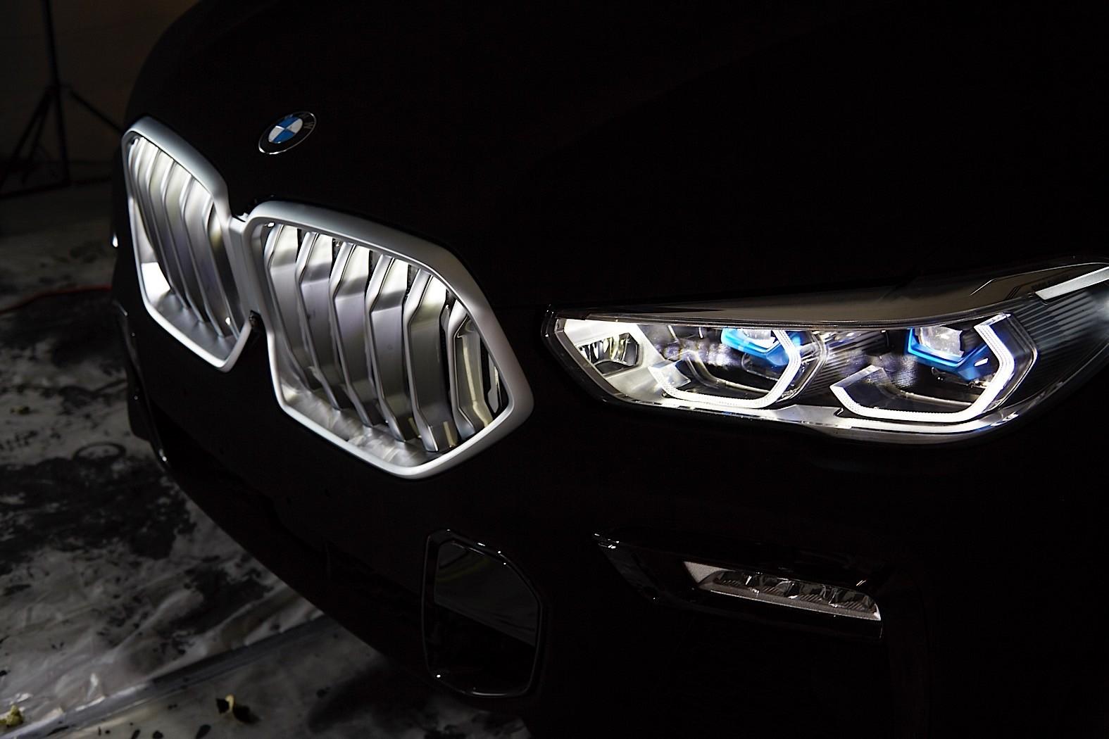 BMW-X6-Vantablack-22