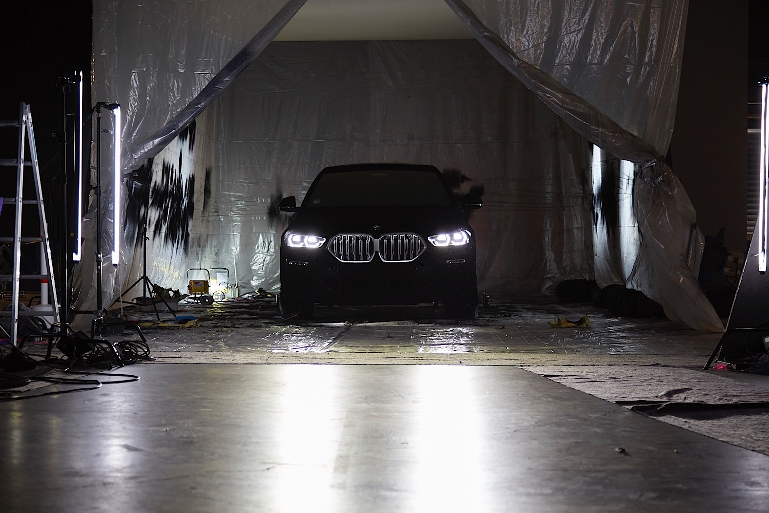 BMW-X6-Vantablack-23