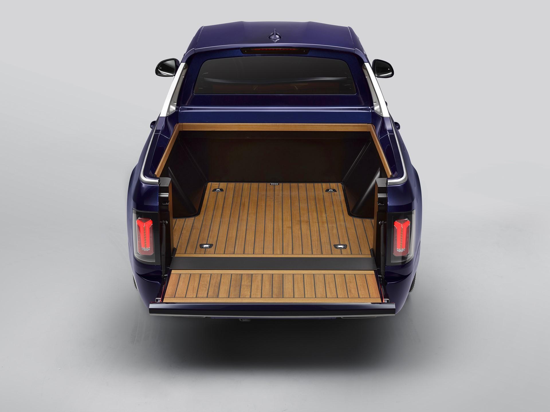 BMW-X7-Pickup-12
