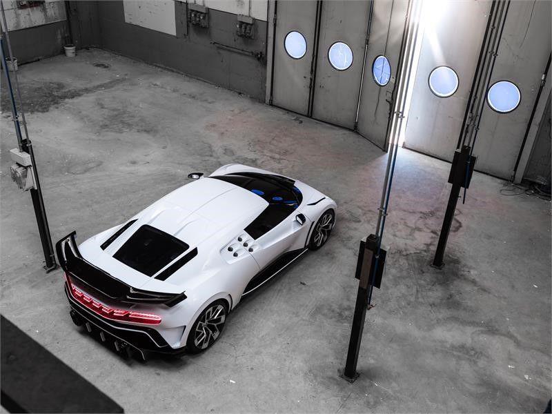 Bugatti-Centodieci-leaked-6