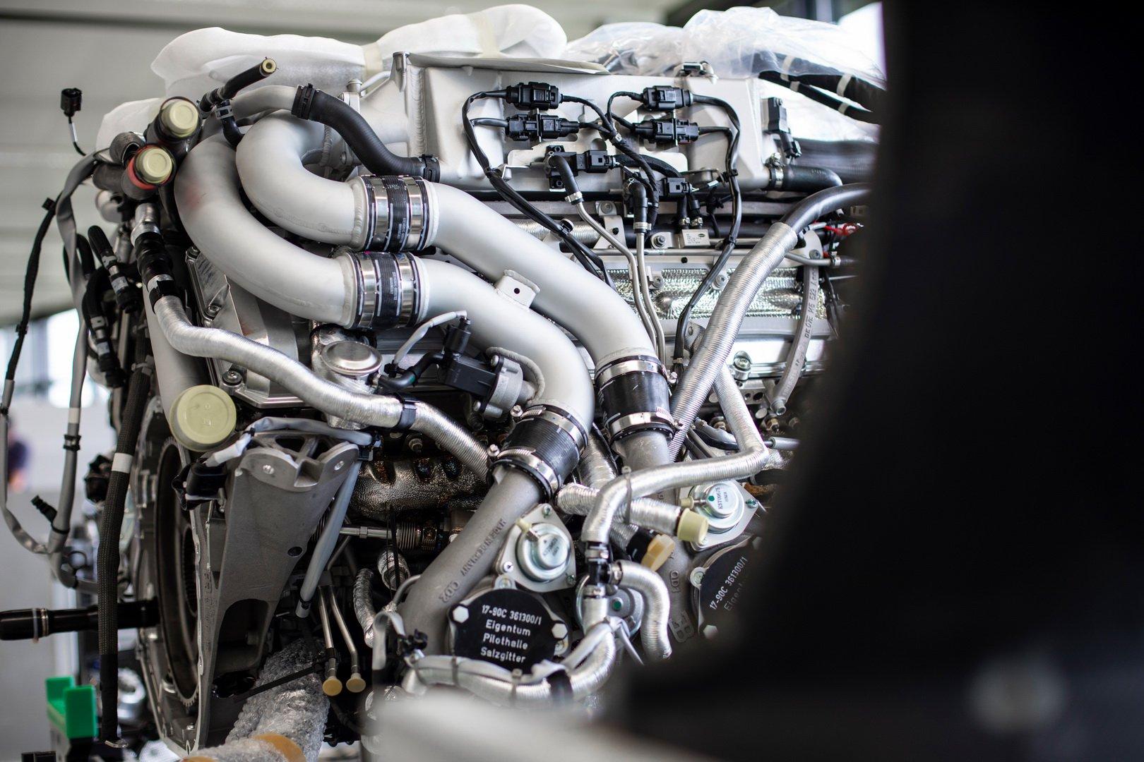 Bugatti-Chiron-Sport-110-Ans-Bugatti-production-plant-1