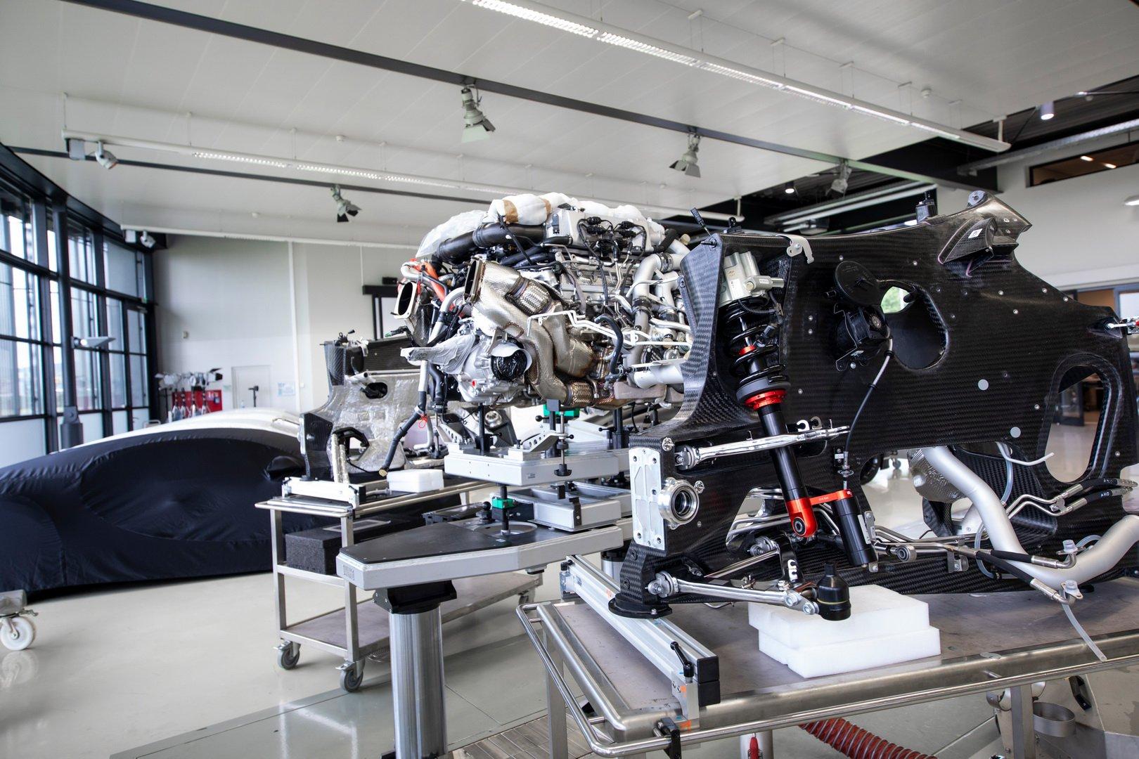 Bugatti-Chiron-Sport-110-Ans-Bugatti-production-plant-10
