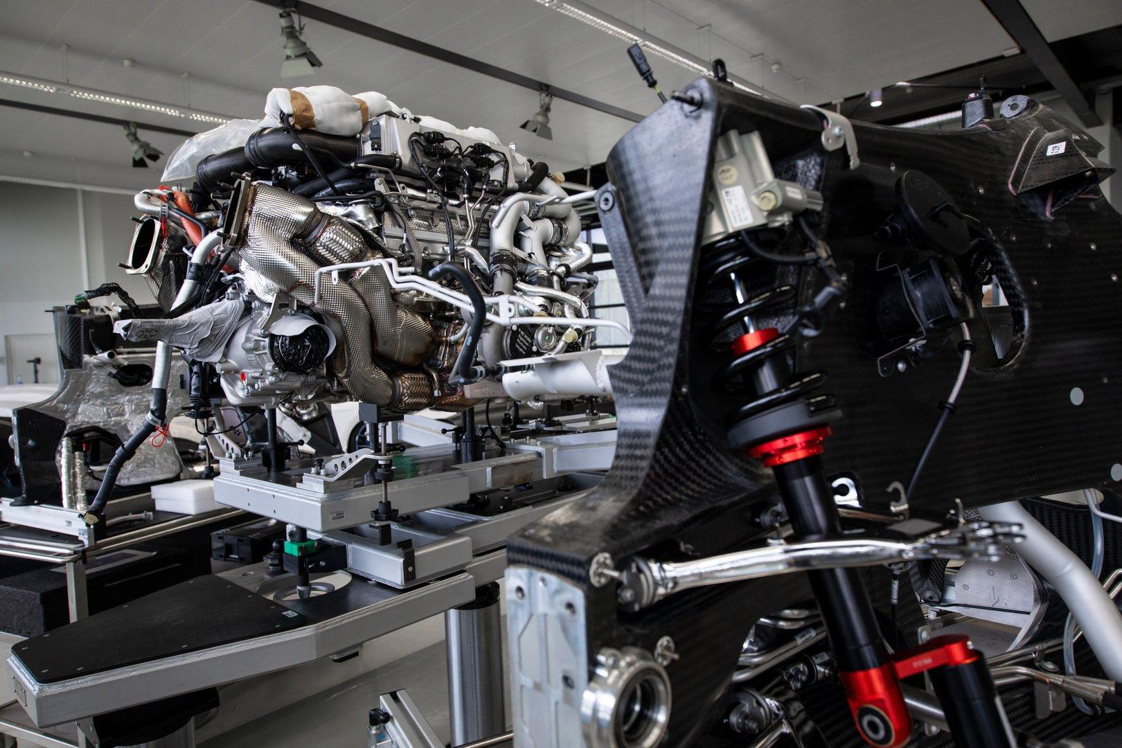 Bugatti-Chiron-Sport-110-Ans-Bugatti-production-plant-11