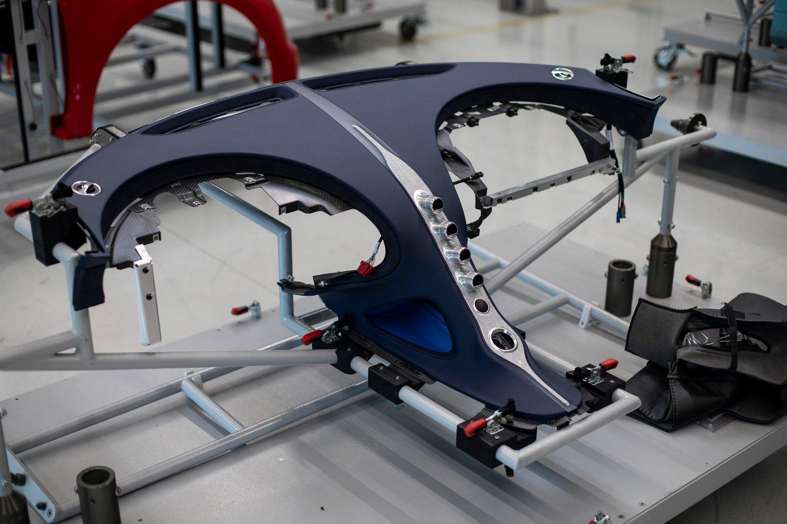 Bugatti-Chiron-Sport-110-Ans-Bugatti-production-plant-17
