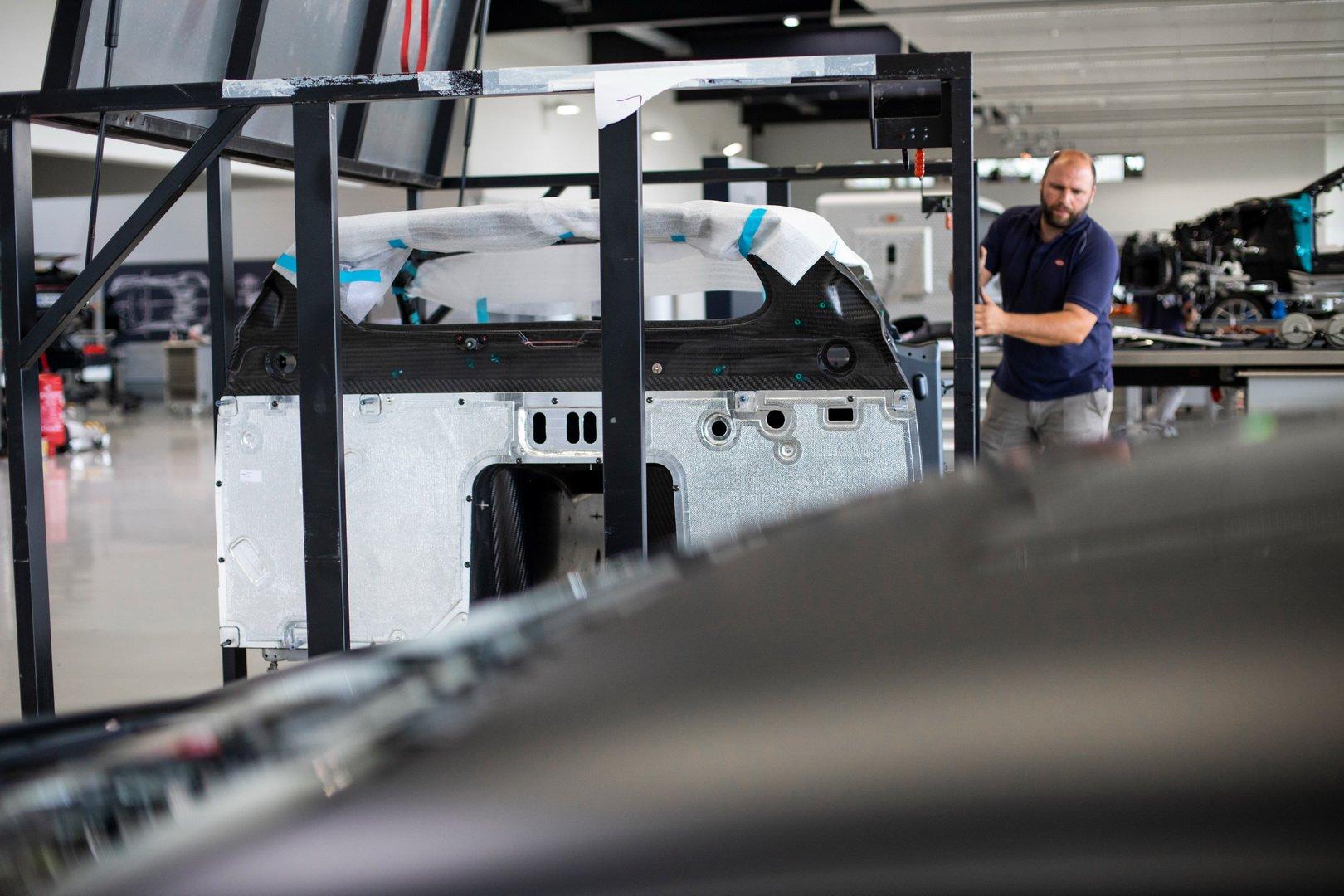 Bugatti-Chiron-Sport-110-Ans-Bugatti-production-plant-31