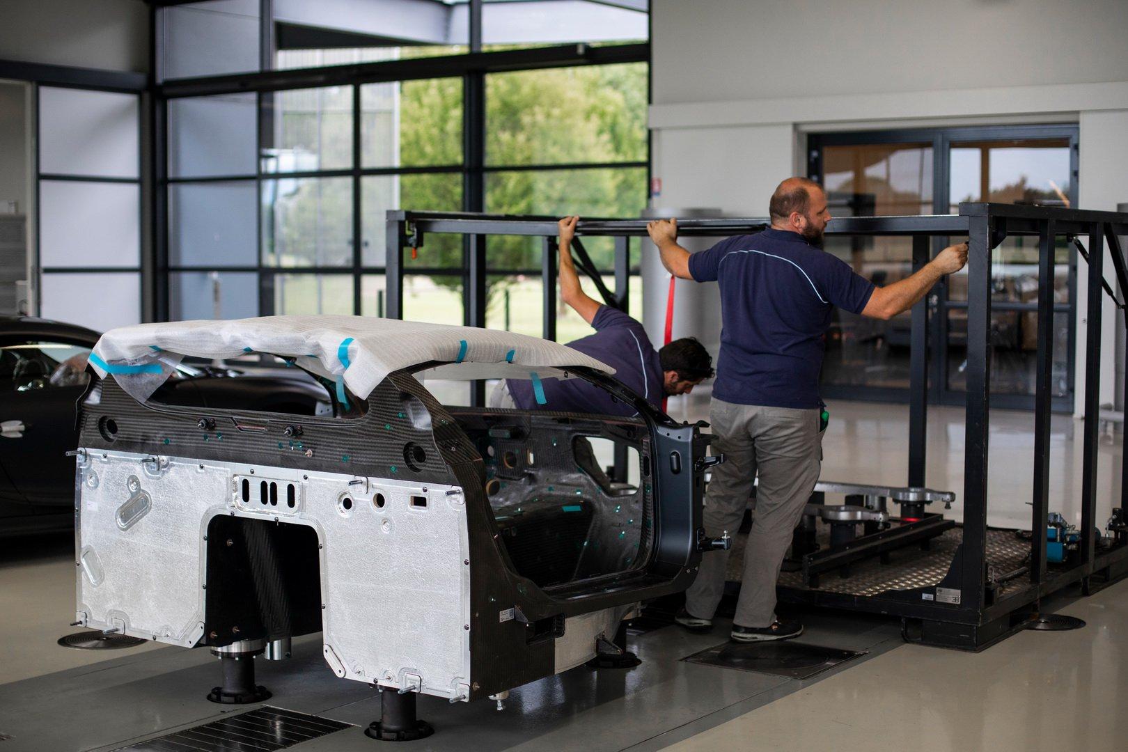 Bugatti-Chiron-Sport-110-Ans-Bugatti-production-plant-36