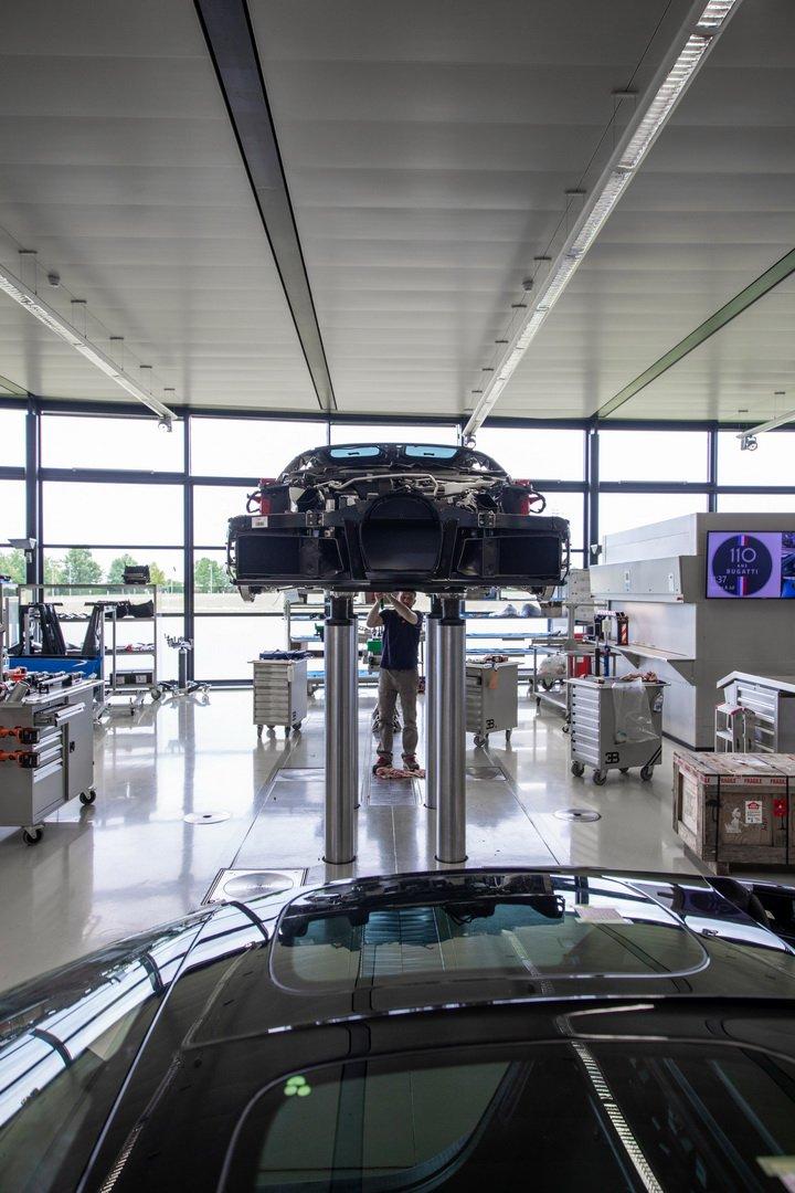 Bugatti-Chiron-Sport-110-Ans-Bugatti-production-plant-7