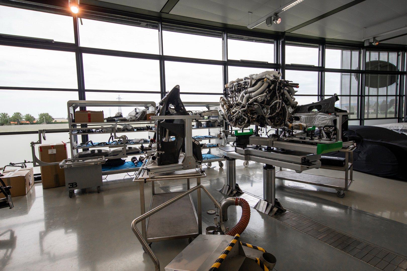 Bugatti-Chiron-Sport-110-Ans-Bugatti-production-plant-9