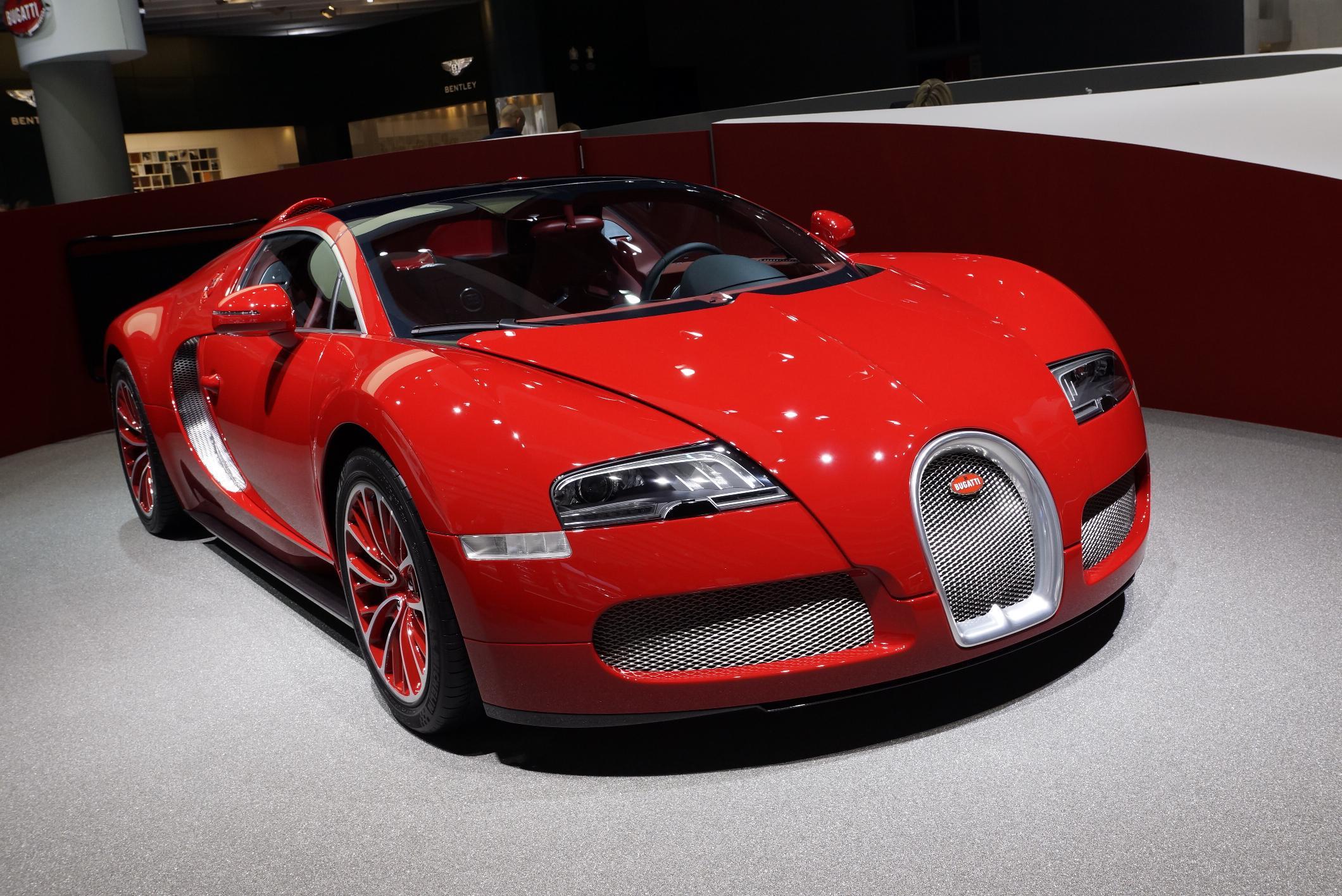 red bugatti wallpaper
