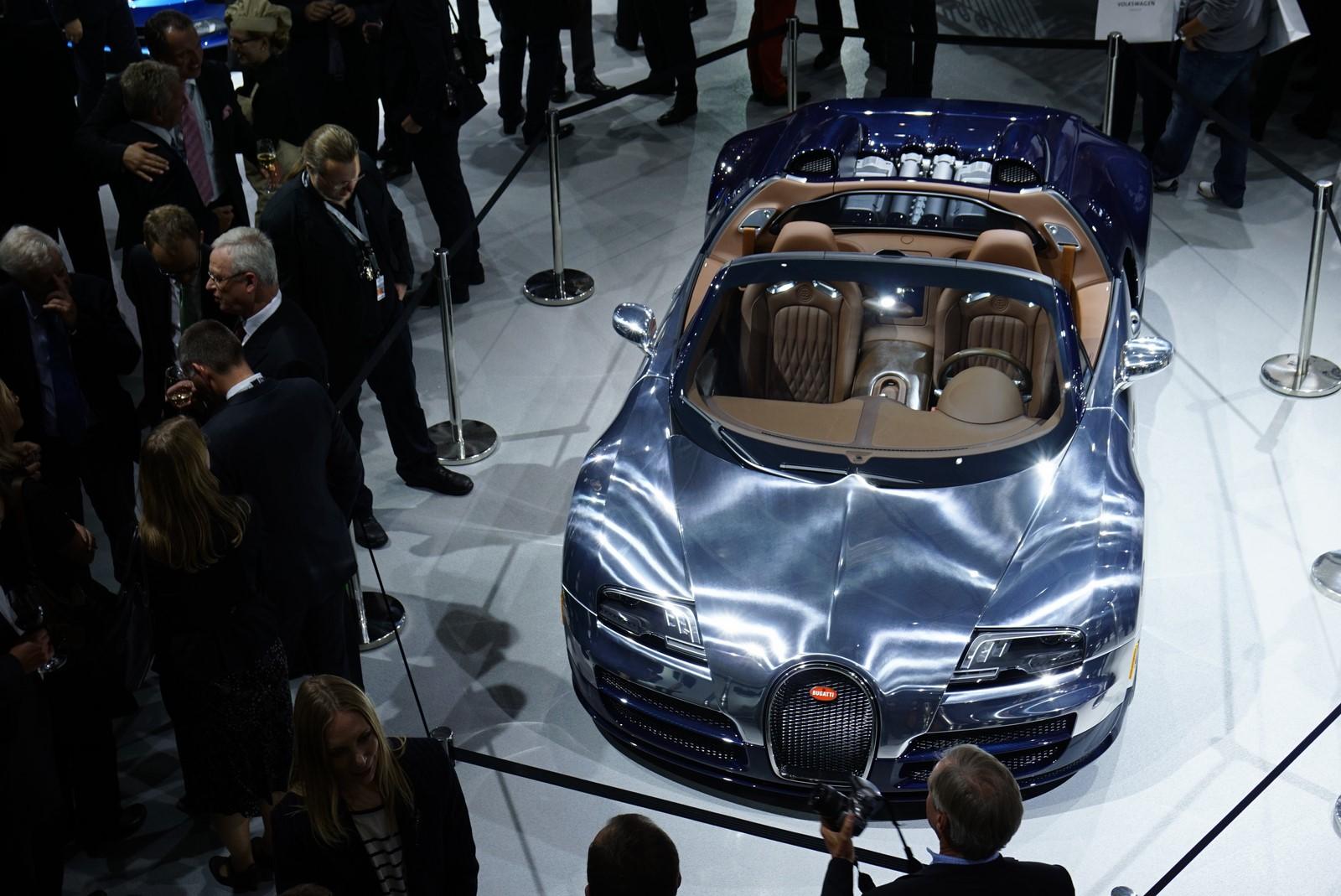 2014 bugatti veyron grand sport vitesse ettore bugatti edition auto. Black Bedroom Furniture Sets. Home Design Ideas