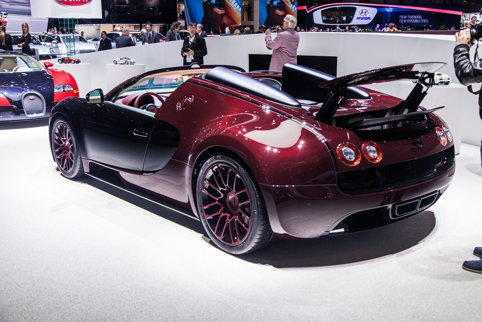 bugatti veyron finale price bugatti veyron la finale final ever veyron supercar revealed photos. Black Bedroom Furniture Sets. Home Design Ideas