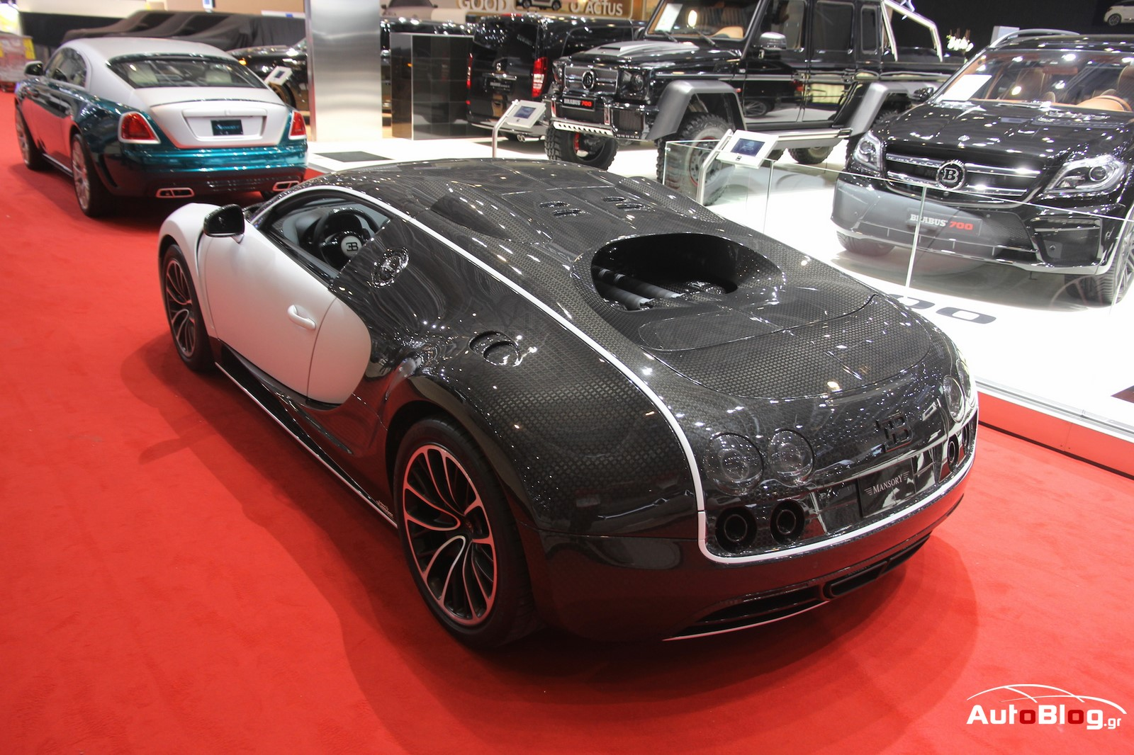 bugatti veyron vivere mansory 2 5 w video. Black Bedroom Furniture Sets. Home Design Ideas