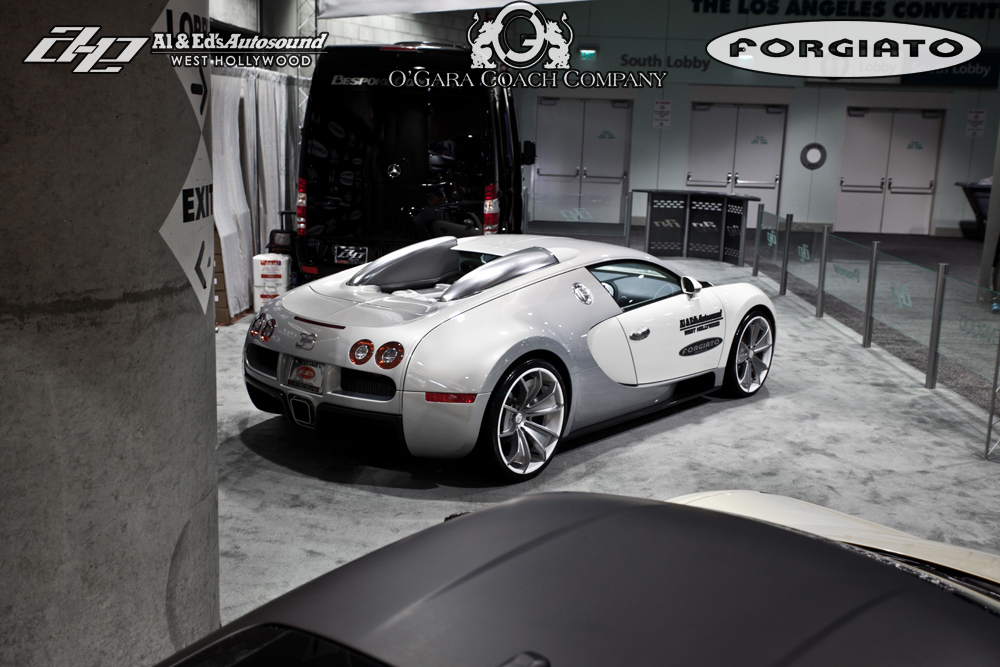 bugatti veyron los angeles bugatti veyron spotted in los angeles united states on 10 31 2011. Black Bedroom Furniture Sets. Home Design Ideas