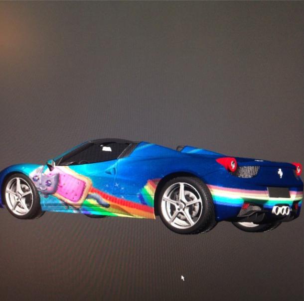 O Deadmau5 θέλει να ντύσει την Ferrari του στα χρώματα της