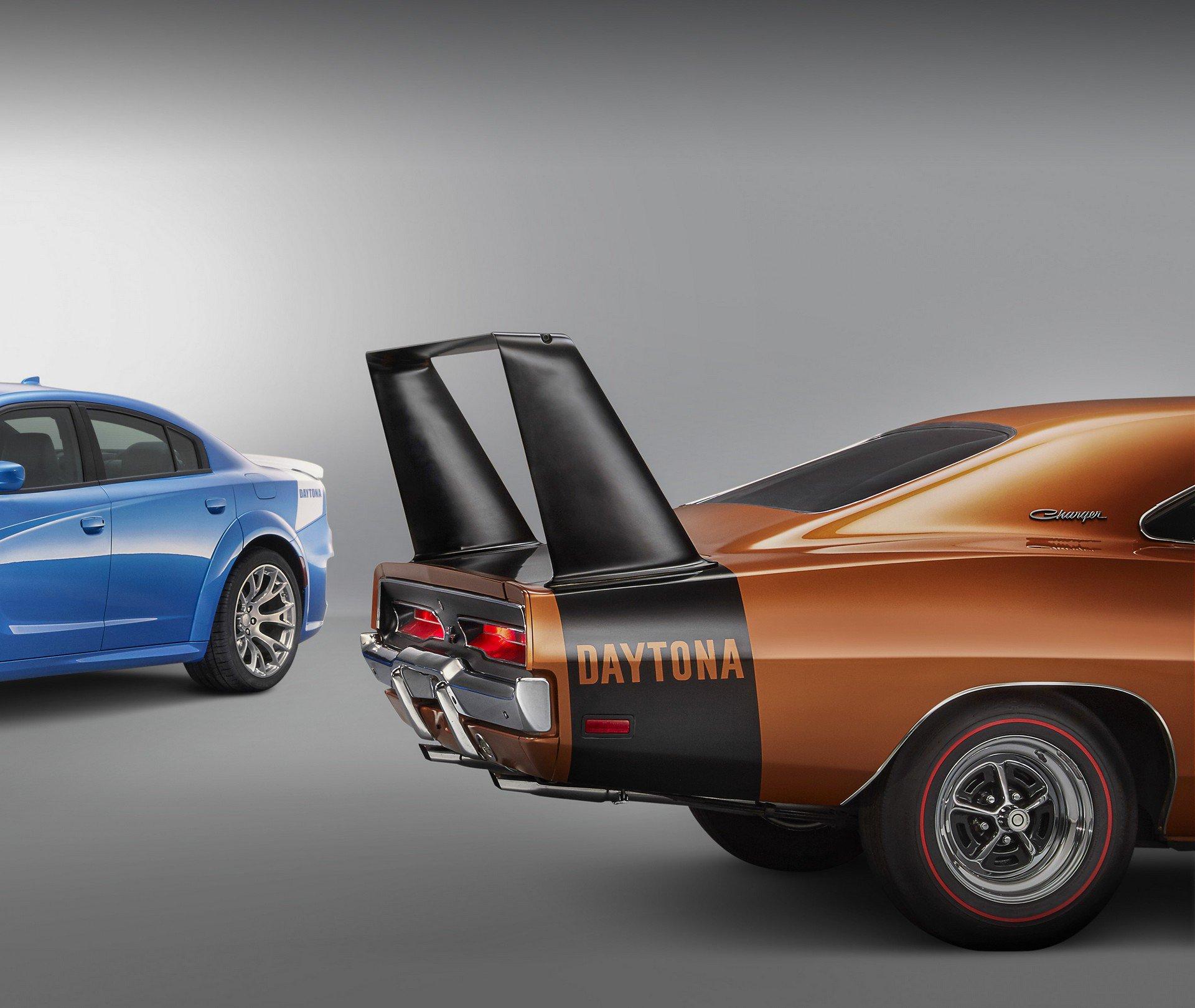 Dodge-Charger-SRT-Hellcat-Widebody-Daytona-50th-Anniversary-Edition-5