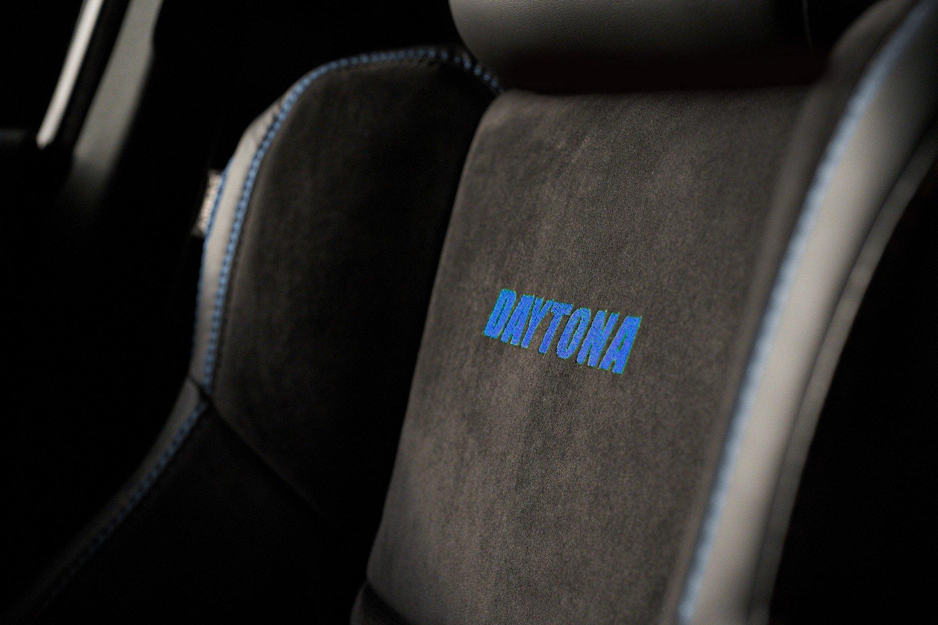 Dodge-Charger-SRT-Hellcat-Widebody-Daytona-50th-Anniversary-Edition-7