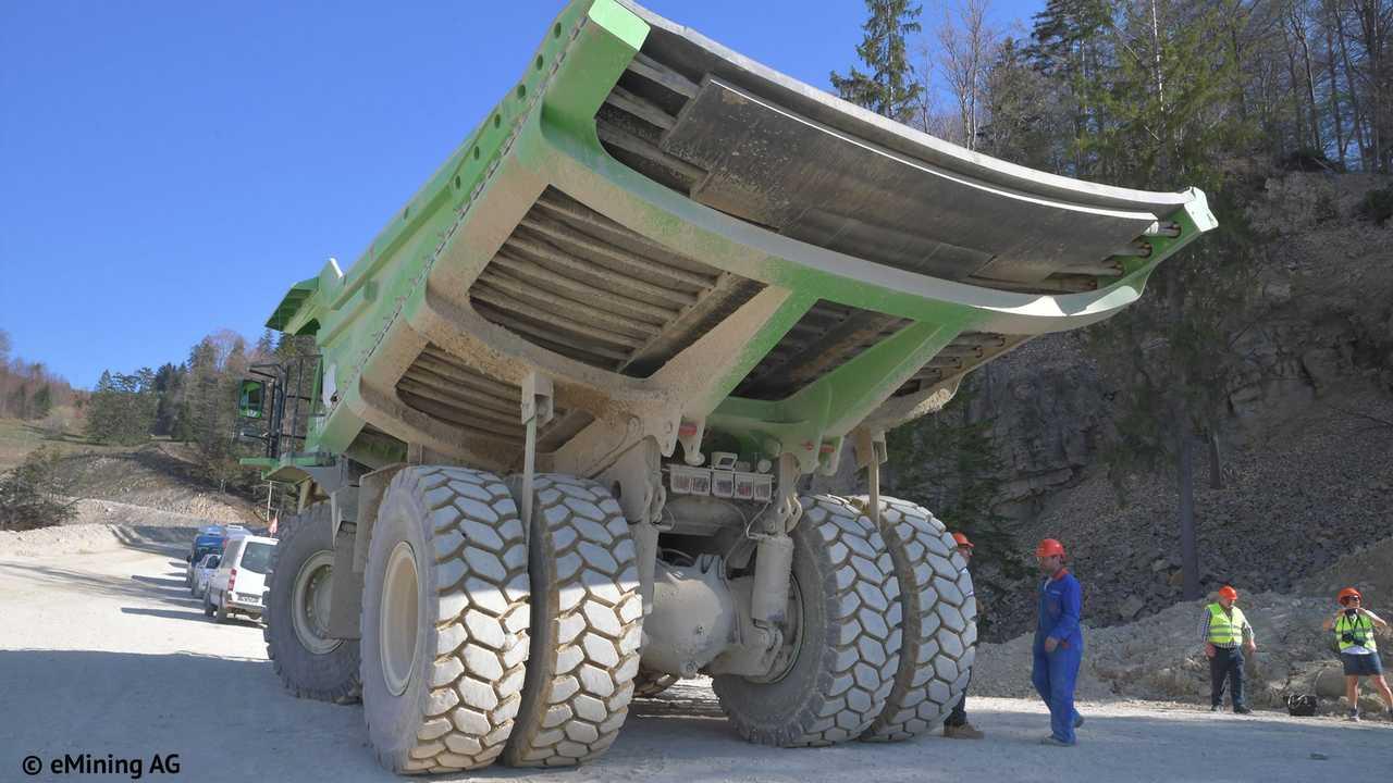 edumper-electric-mining-truck-4