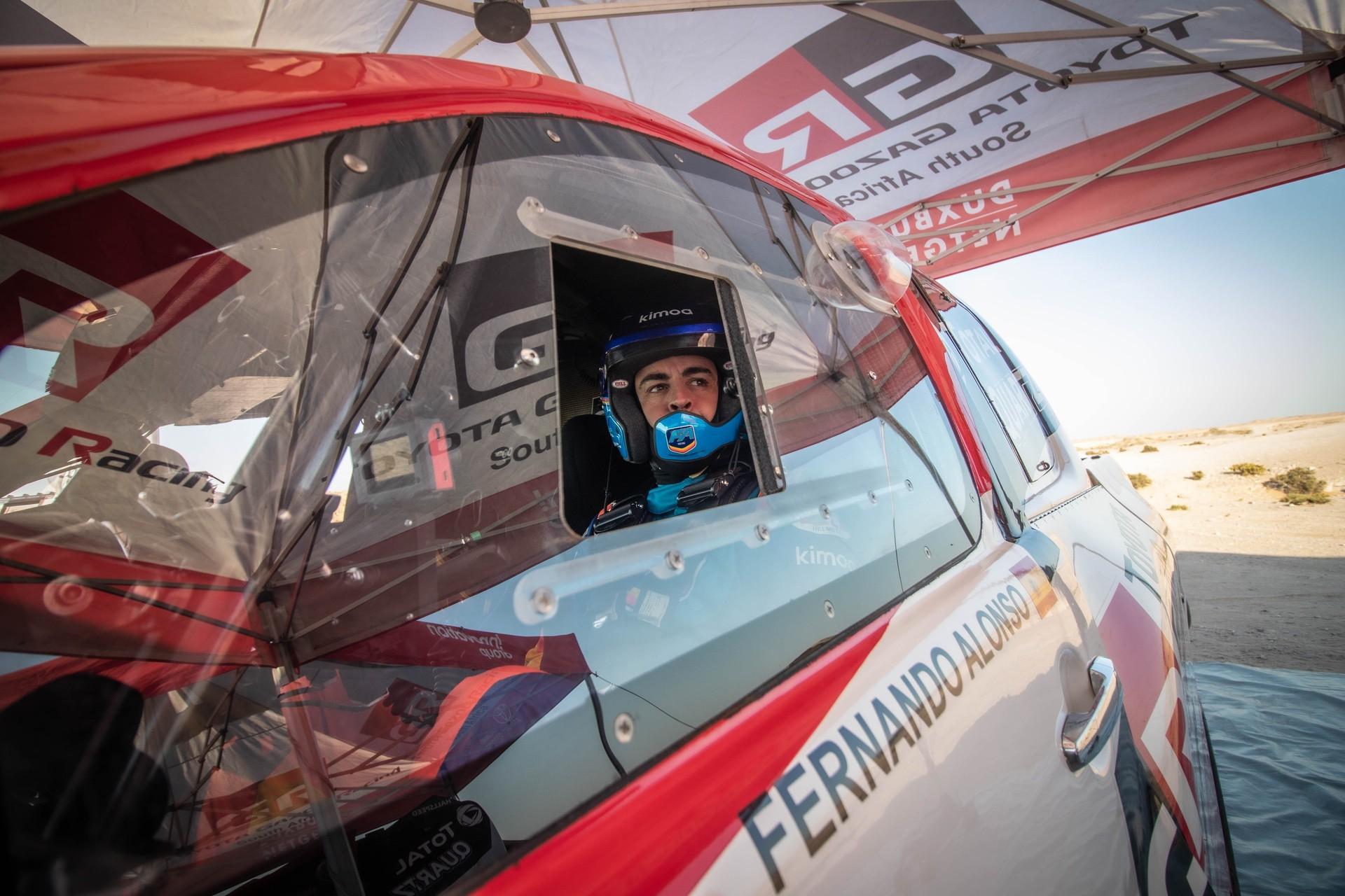 Fernando_Alonso_Dakar_Toyota_0001