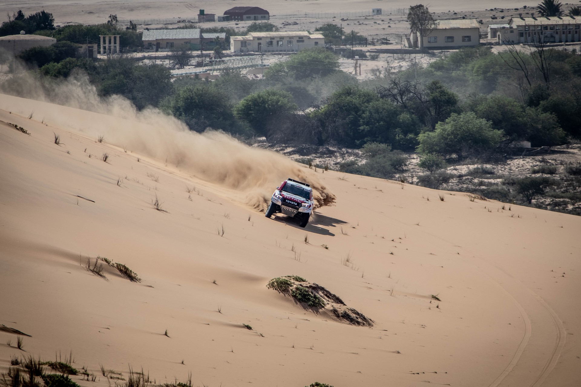 Fernando-Alonso-Training-Namibian-desert-10