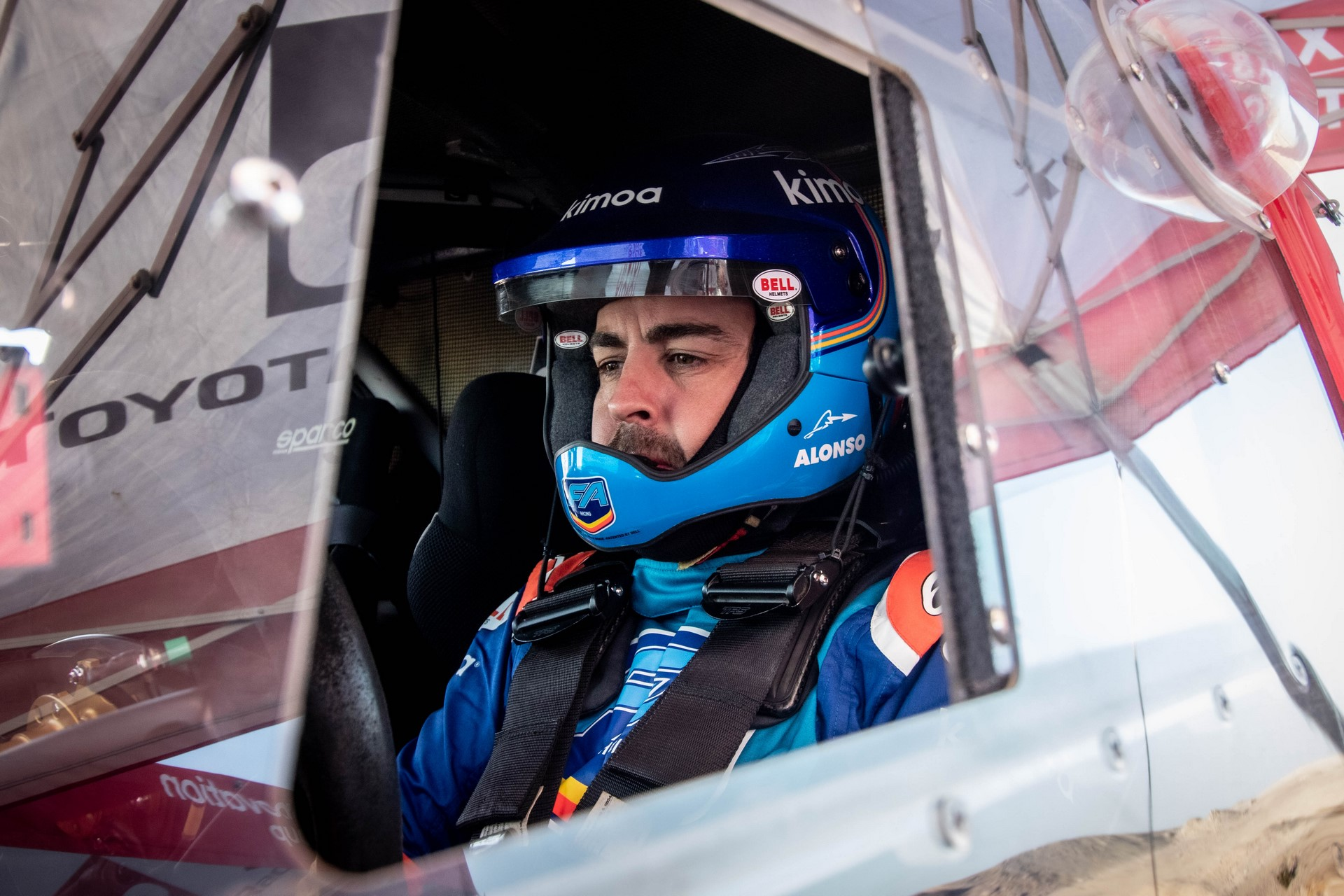 Fernando-Alonso-Training-Namibian-desert-5