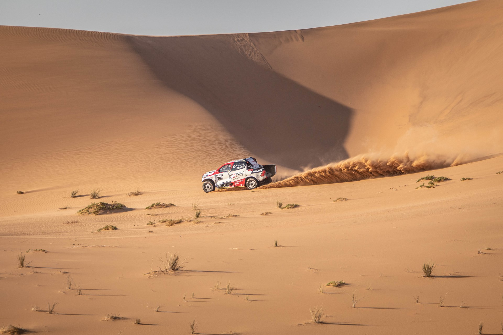Fernando-Alonso-Training-Namibian-desert-6