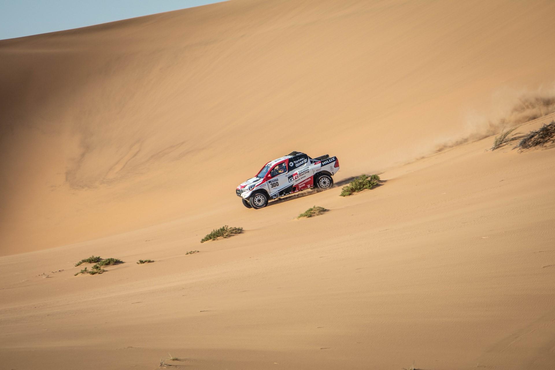 Fernando-Alonso-Training-Namibian-desert-7