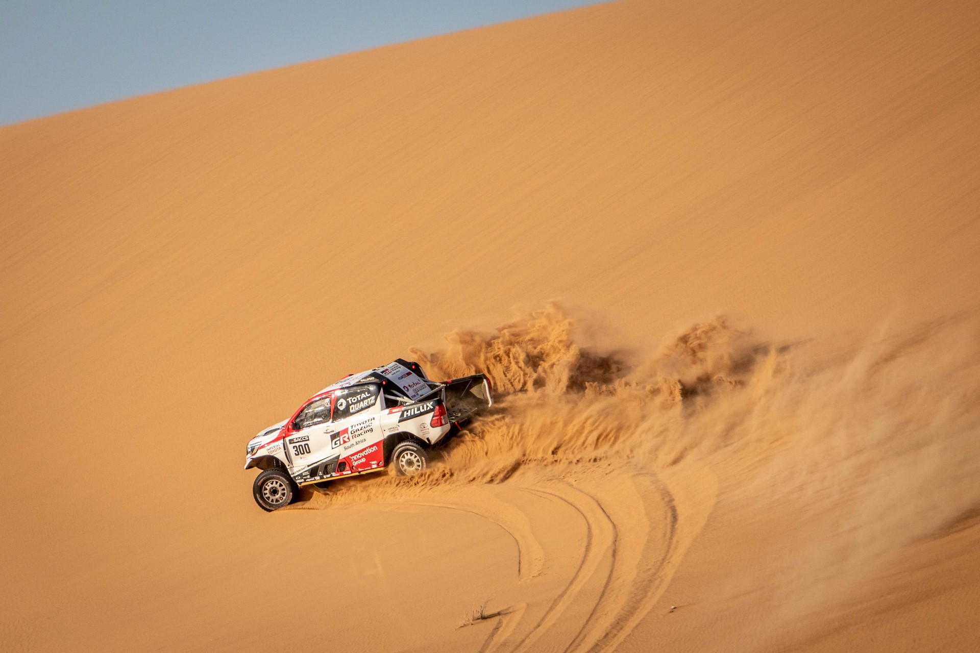 Fernando-Alonso-Training-Namibian-desert-8