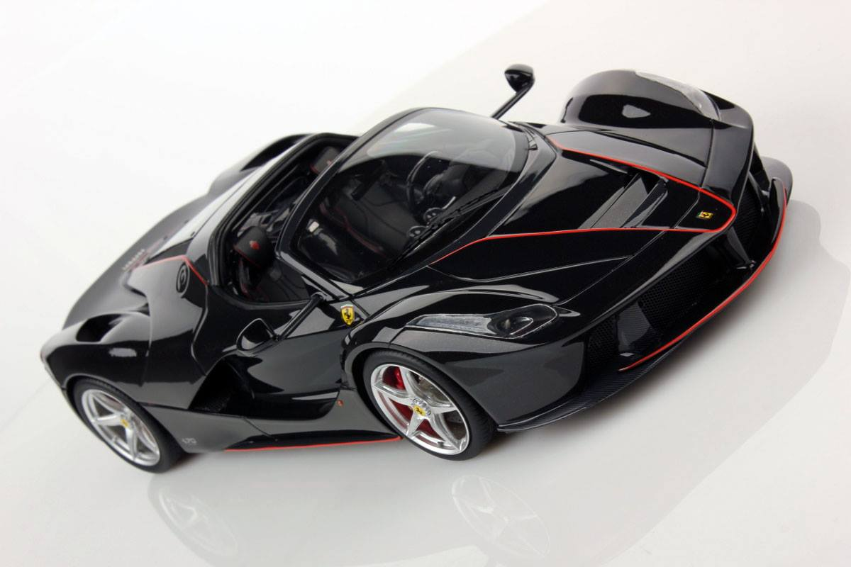 LaFerrari Aperta MR Collection miniature (2)