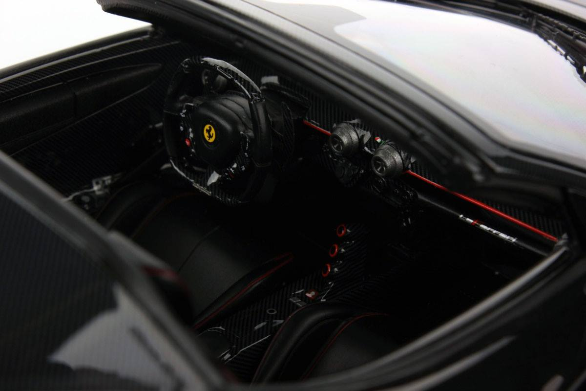 LaFerrari Aperta MR Collection miniature (5)
