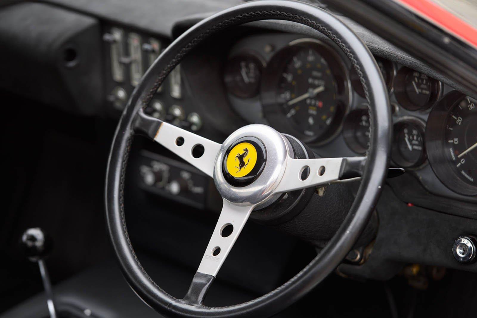 Ferrari-365-GTB4-Daytona-ex-Elton-John-13