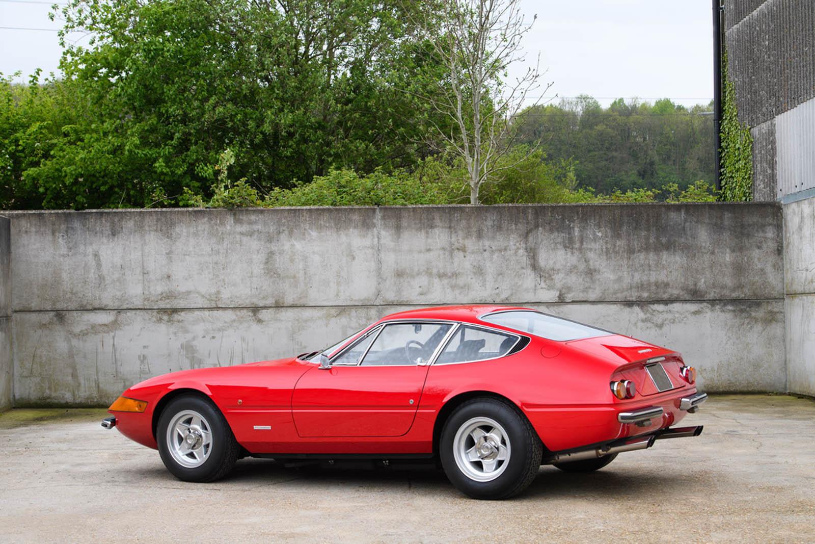 Ferrari-365-GTB4-Daytona-ex-Elton-John-2