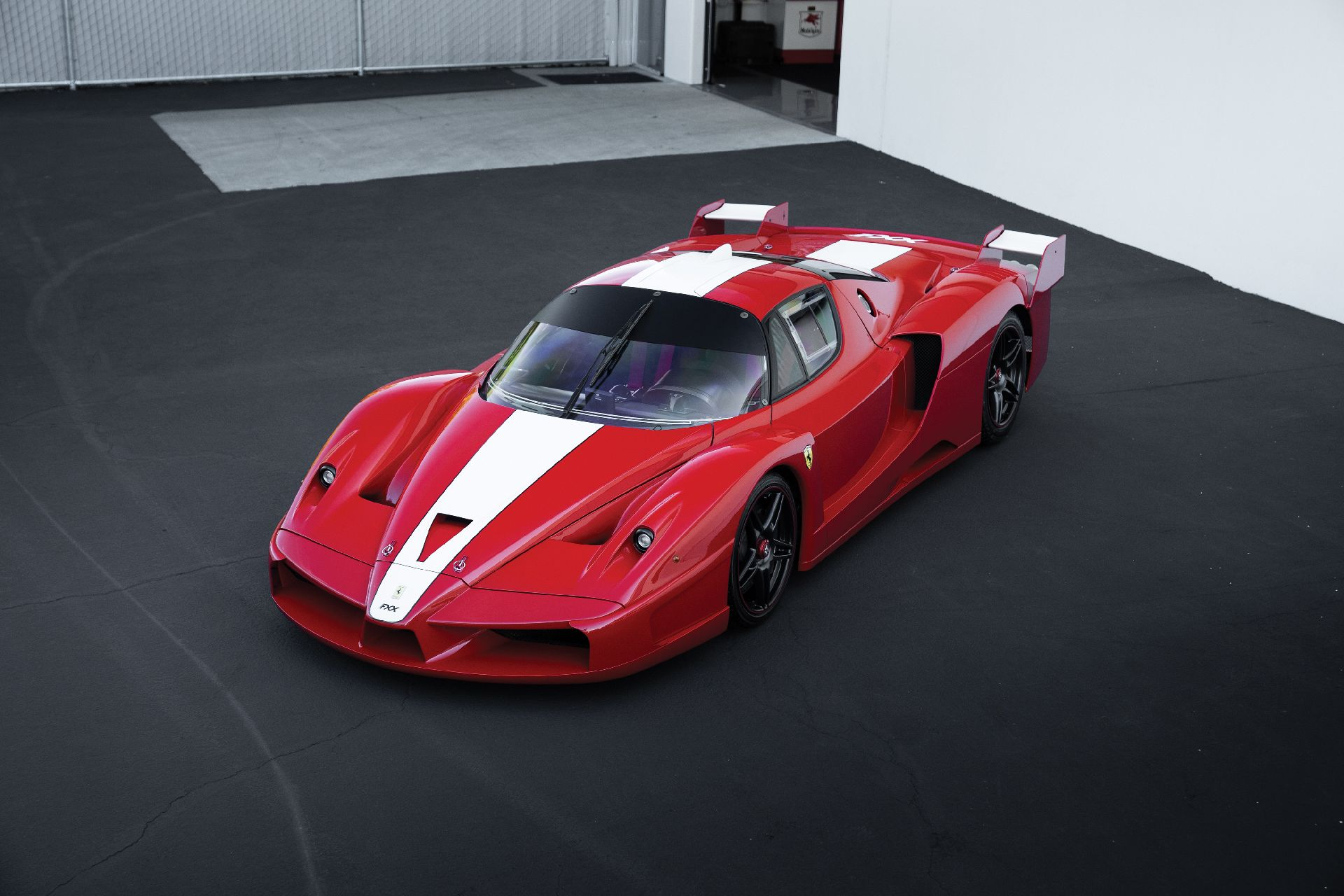 2e5fe7ba-ferrari-fxx-auction-24