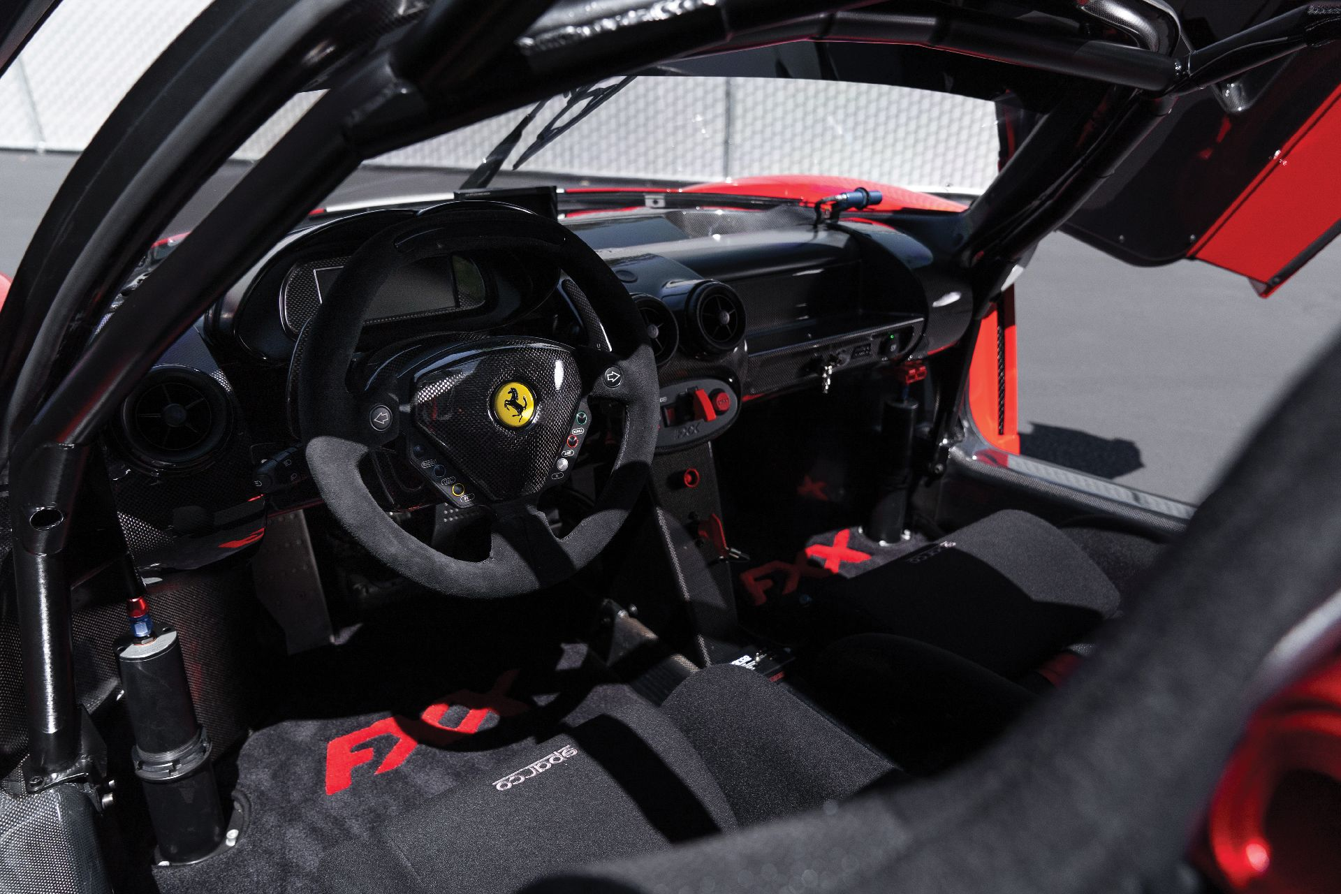 5977ca42-ferrari-fxx-auction-4