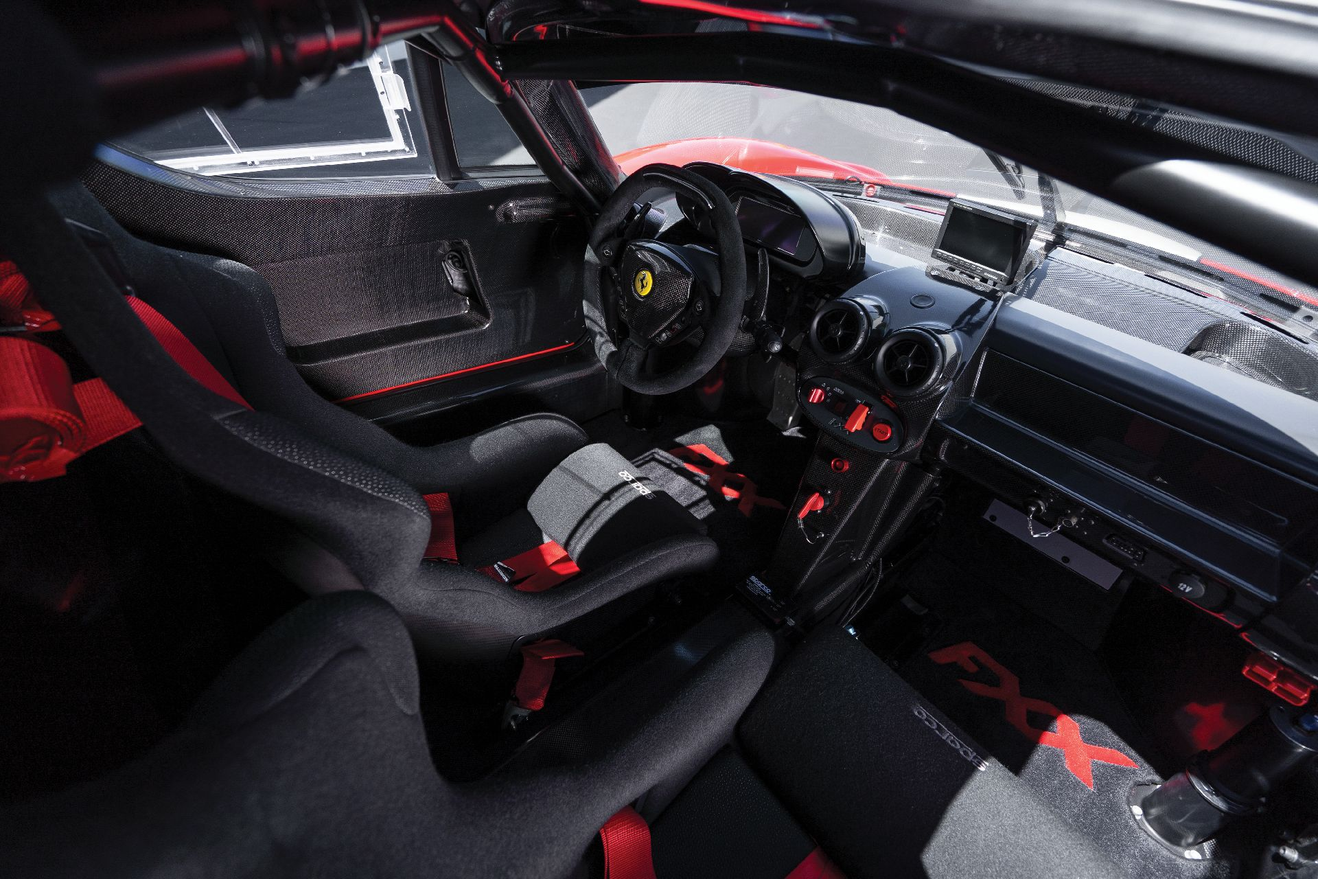 ce99355e-ferrari-fxx-auction-9