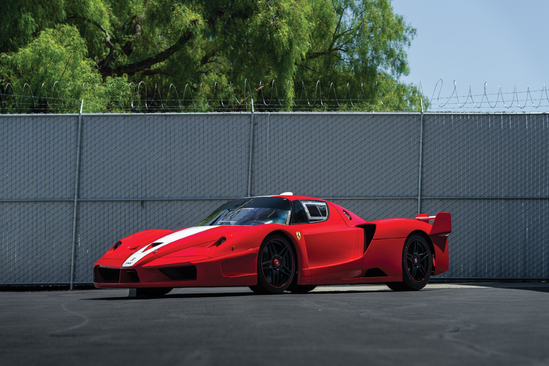 e4c7a416-ferrari-fxx-auction-1