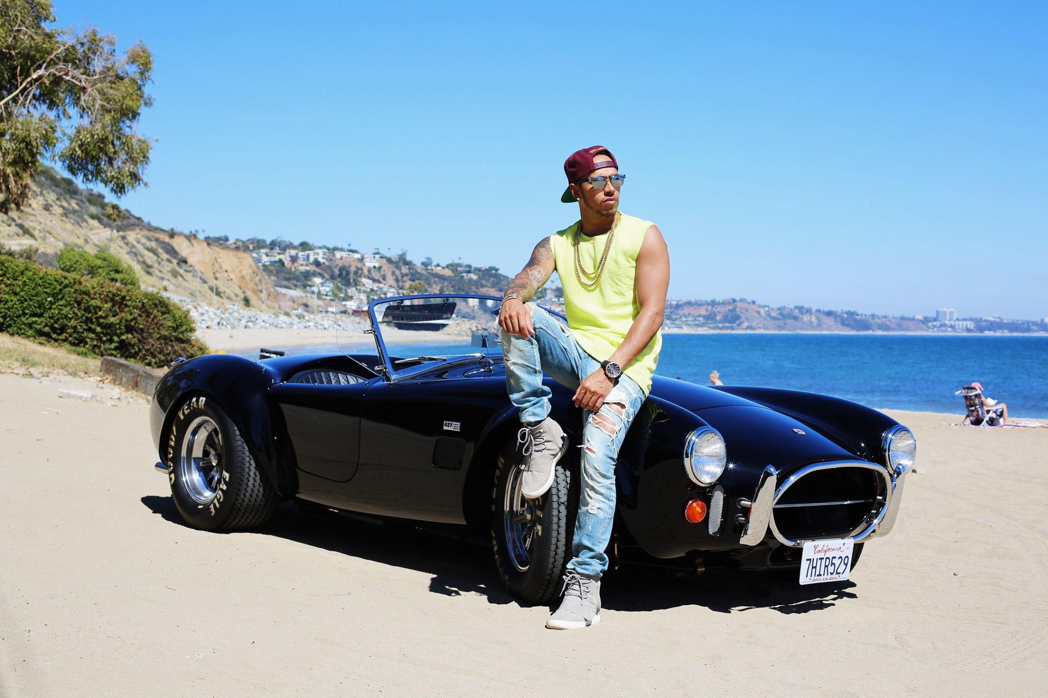 Lewis Hamilton ό Shelby Cobra 427 1966