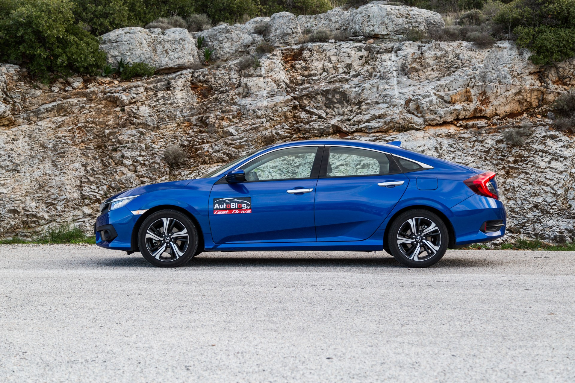 Honda-Civic-Sedan-2