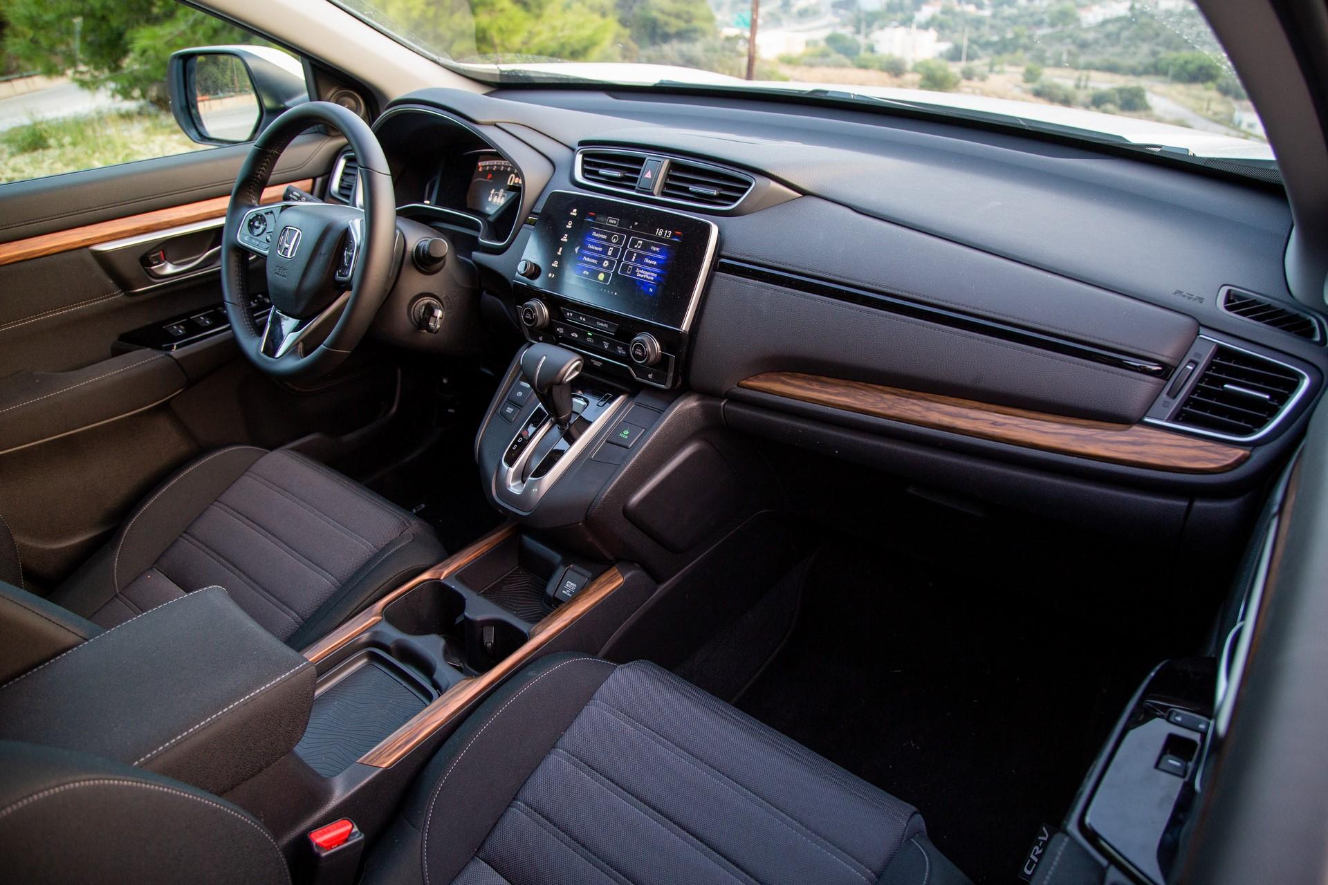 Honda-CR-V-2019-32